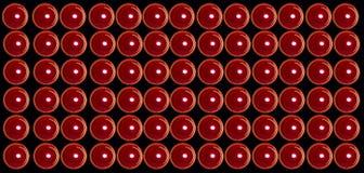 Rote Valentinsgrußkerzen am schwarzen Hintergrund lizenzfreie stockbilder