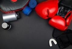 Rote Verpackenhandschuhe Lizenzfreie Stockbilder