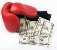 Rote Verpackenhandschuhe und -geld Stockbild