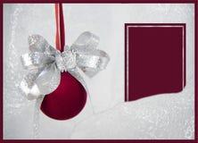 rote Verzierung Weihnachtsgrußkarte stockfotografie