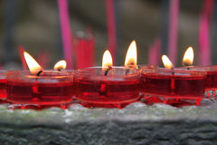 Rote Wachs-Kerzen lizenzfreie stockfotografie