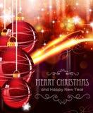 Rote Weihnachtsbälle auf abstraktem Hintergrund Lizenzfreie Stockfotografie