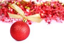 Rote Weihnachtskugel Stockfoto