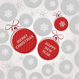 Rote Weinleseweihnachtskarte mit Kugeln Stockfotos