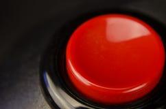 Rote Zündungstaste Stockfoto