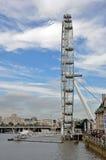 Rotella di Ferris dell'occhio di Londra Immagine Stock