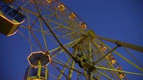 Rotella di Ferris entro la notte archivi video