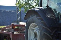 Rotella e rimorchio del trattore Fotografie Stock