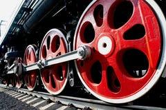 Rotelle enormi di vecchia locomotiva di vapore Immagini Stock Libere da Diritti