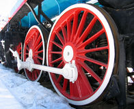 Rotelle rosse di vecchia locomotiva Immagine Stock