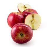 Roter Apfel lokalisiert auf weißem Hintergrund - Rot stockfotos