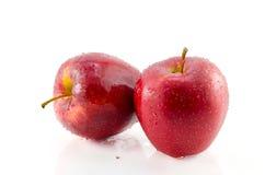 Roter Apple getrennt auf Weiß mit Ausschnitts-Pfad Stockfotos