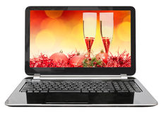 Roter Ball und Gläser auf Schirm des Laptops Stockbild