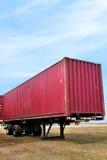 Roter Behälter auf LKW-Schlussteil Lizenzfreie Stockfotos