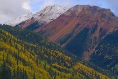 Roter Berg Pass-01 lizenzfreie stockfotografie