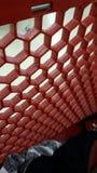 Roter Bienenstock stockfotografie