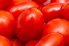 Roter Cherry Tomatoes In Vegetable Market Lizenzfreie Stockbilder