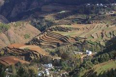 Roter Erdbereich in Yunnan Stockbild