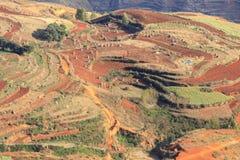 Roter Erdbereich in Yunnan Stockfoto