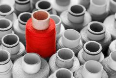 Roter Eye-catcherkonzeptschuß lizenzfreie stockbilder