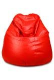 Roter farbiger Bohnenbeutel getrennt Stockfotos