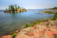 Roter Felsen an der georgischen Bucht Ontario Kanada Stockfotos