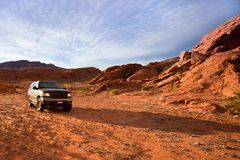Roter Felsen Nevada SUV Stockbild