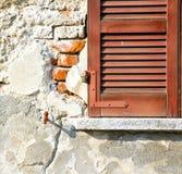 Roter Fenster varano Betonziegelstein Lizenzfreies Stockfoto