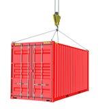 Roter Frachtbehälter hochgezogen durch Haken Lizenzfreies Stockfoto