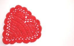 Roter Häkelarbeit-Valentinsgruß Stockbilder