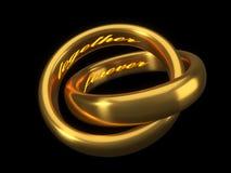 Roter heart-shaped Schmucksachegeschenkkasten und eine rote Spule auf einem Zeichen goldene Eheringe mit graviertem Text nach inn Stockbilder