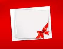 Roter Hintergrund mit Blatt Papier Stockfoto