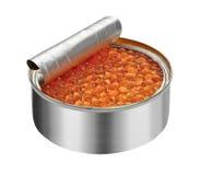 Roter Kaviar im offenen Kanister lokalisiert auf Weiß, Lizenzfreie Stockfotos