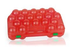Roter Kunststoffkoffer für Eier Stockbild