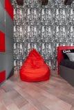 Roter Ledersackstuhl Lizenzfreies Stockfoto