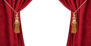 Roter Luxusvorhang mit einer Quaste und einem Seil lokalisiert auf Weiß stockfotos