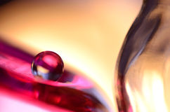 Roter Marmor und Glas Stockfotos