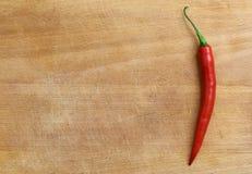 Roter Paprika an Bord Stockbild