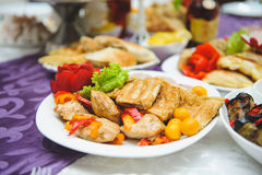 Roter Pfeffer und Fried Meat Stockfotos