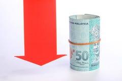 Roter Pfeil mit Geld Stockfotos