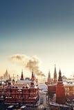 Roter Platz und der Kreml während des eisigen Tages des Winters Stockbild