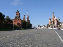 Roter Platz und die Kathedrale des Heilig-Basilikums, Moskau Stockbild