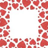 Roter Rahmen mit roten Herzen von Paillettekonfettis Funkelnder goldener Hintergrund des Funkelnpulvers Stockfotos