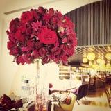 Roter Rosen-Blumenstrauß Stockbild