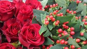 Roter Rosen-Blumenstrauß Lizenzfreies Stockfoto