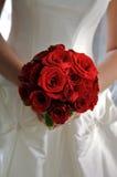 Roter Rosen-Brautblumenstrauß Lizenzfreie Stockfotos