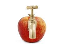 Roter saftiger Apfel mit Hahn Stockfoto