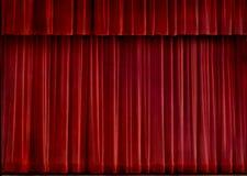Roter Samttrennvorhang Stockbild