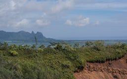 Roter Schmutz und Kong-Berg lizenzfreie stockbilder