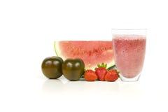 Roter Smoothie (Tomaten, Wassermelone und Erdbeeren) Lizenzfreies Stockfoto